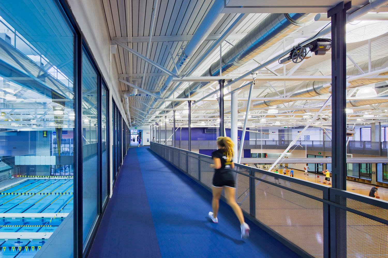 Pista Indoor, University of Iowa, Iowa  City, USA © Mondo Spa