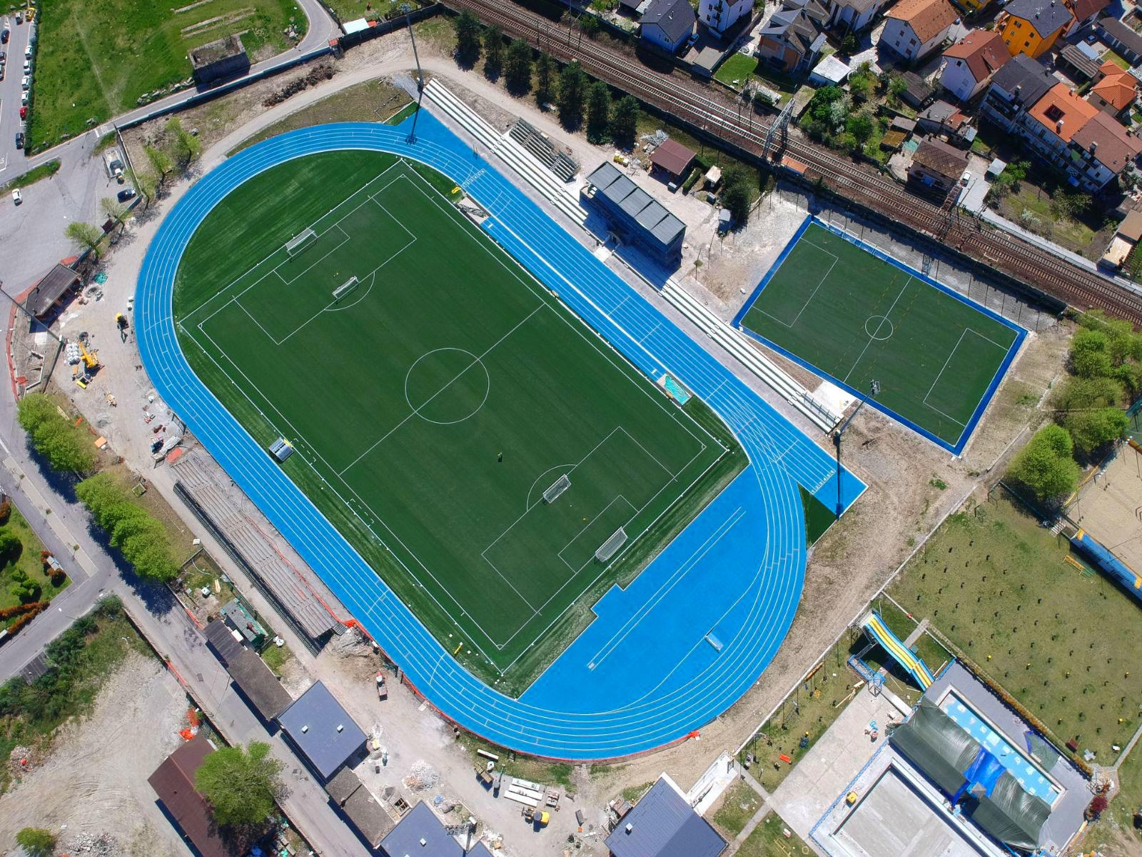 Campo da calcio, Stadio Curotti,  Domodossola, Italia © Mondo Spa