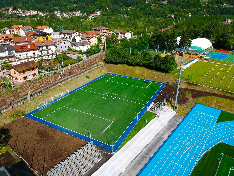 Campo da calcio a 7, Stadio Curotti,  Domodossola, Italia © Mondo Spa