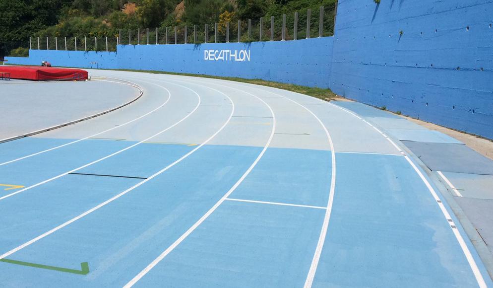 La pista di Fontanassa dopo la  pulizia. Qui Tortu ha realizzato il  suo record nei 100 m: l'accurata  pulizia della pista può portare a  delle eccellenti performance  atletiche.